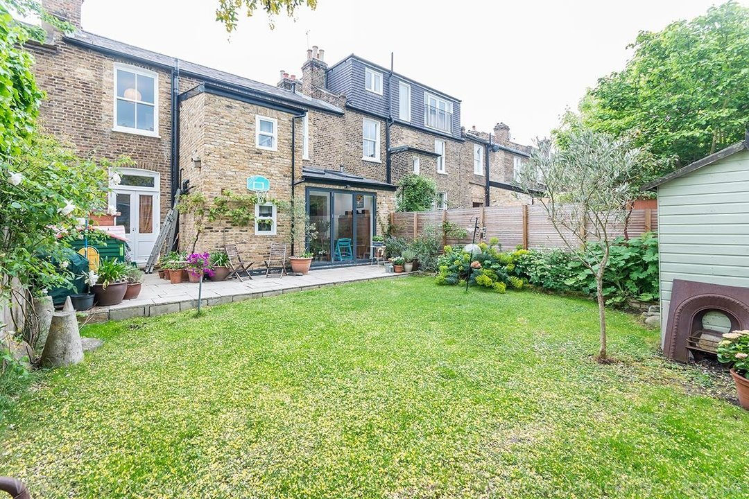 House - Terraced Sale Agreed in Tresco Road, SE15 225 view2