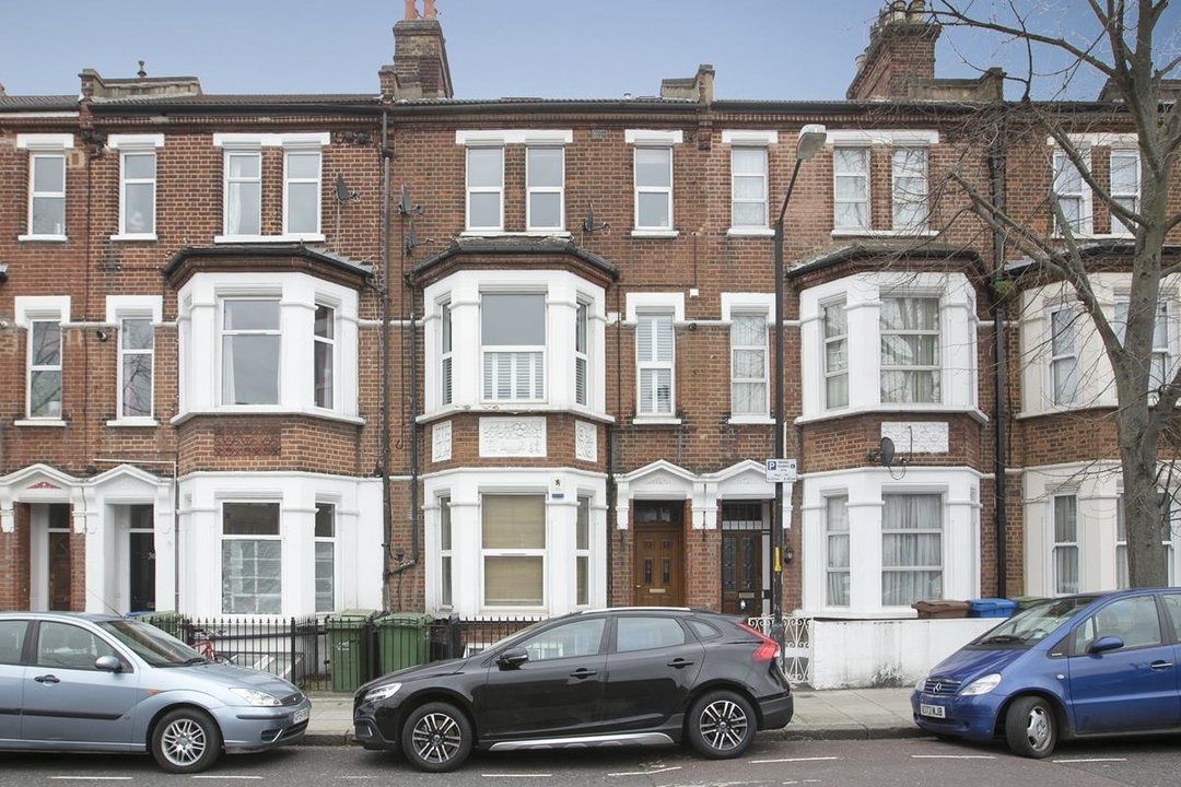 Flat/Apartment For Sale in Valmar Road, SE5 288 view2