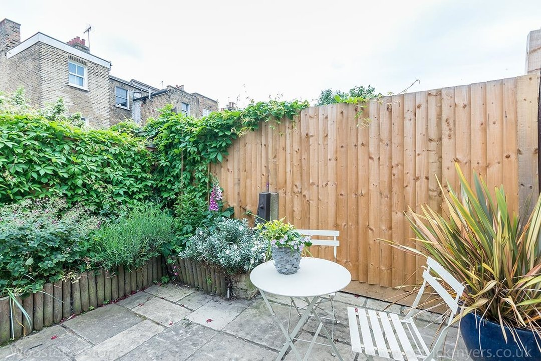 House - Terraced Sold in Vestry Road, SE5 82 view6