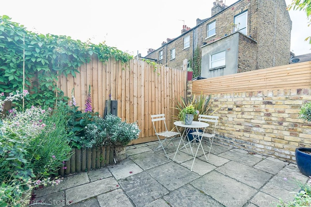 House - Terraced Sold in Vestry Road, SE5 82 view21