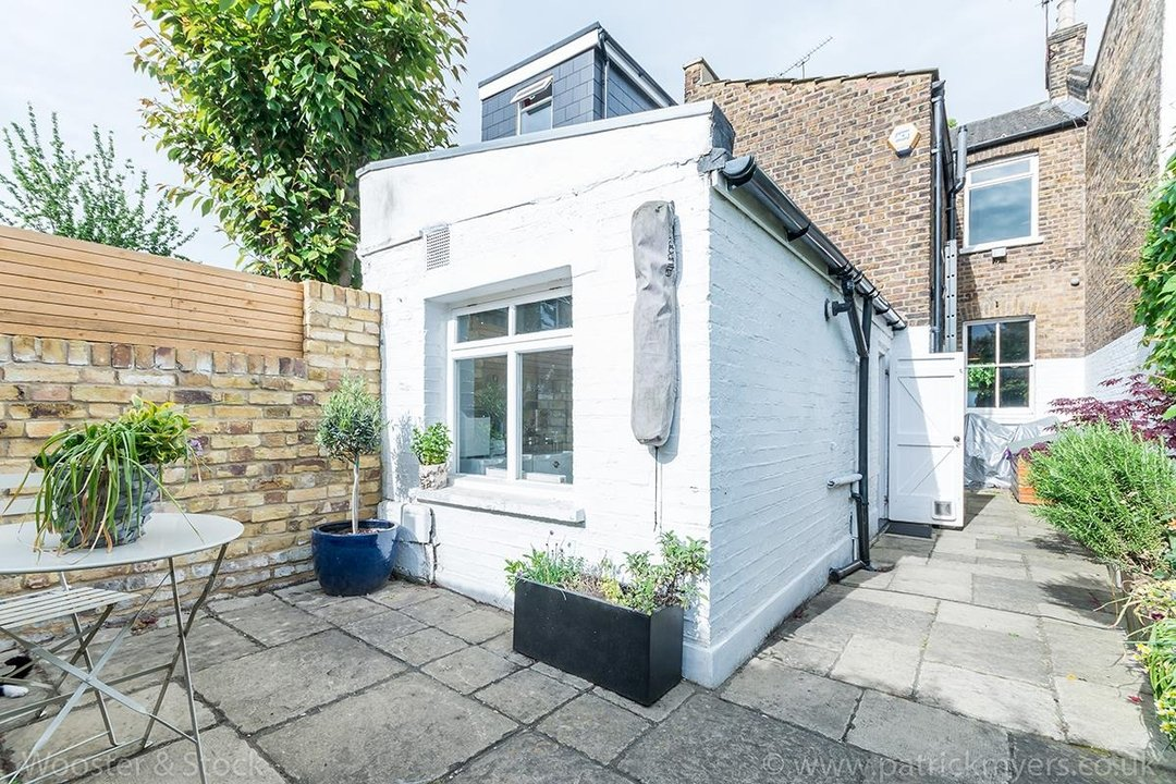House - Terraced Sold in Vestry Road, SE5 82 view23