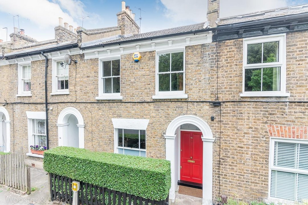 House - Terraced Sold in Vestry Road, SE5 82 view1