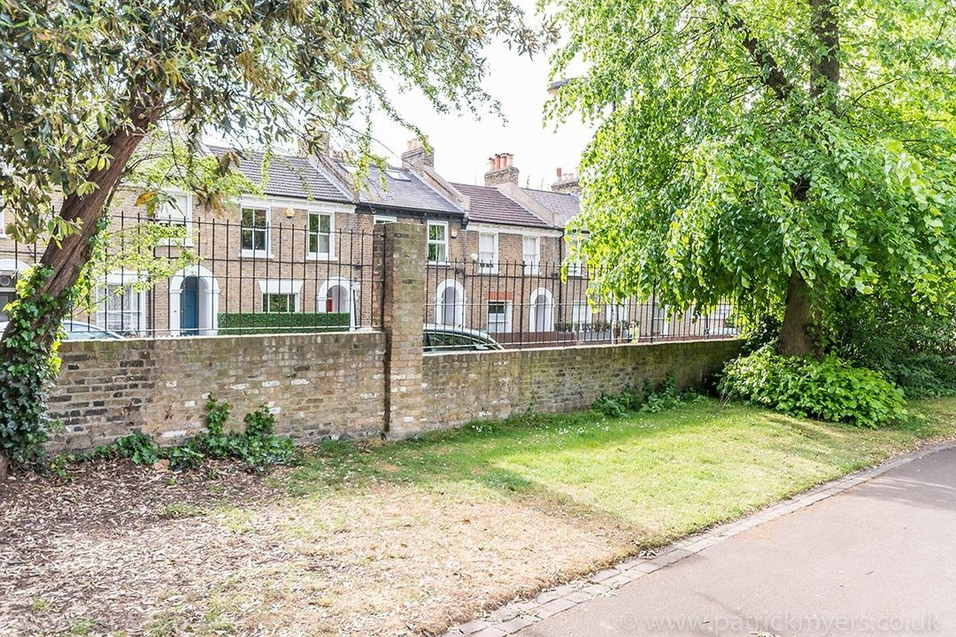 House - Terraced Sold in Vestry Road, SE5 82 view28
