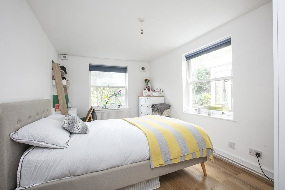 Flat - Conversion For Sale in Vicarage Grove, SE5 339 view8