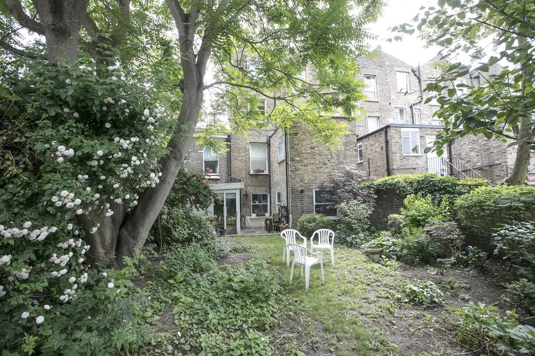 Flat - Conversion For Sale in Vicarage Grove, SE5 339 view4