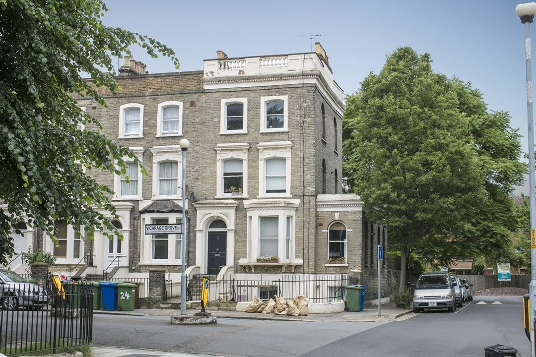 Flat - Conversion For Sale in Vicarage Grove, SE5 339 view2