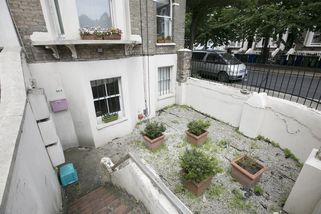 Flat - Conversion For Sale in Vicarage Grove, SE5 339 view15