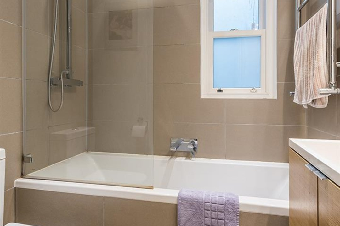 Flat - Conversion Sale Agreed in Vicarage Grove, SE5 69 view10