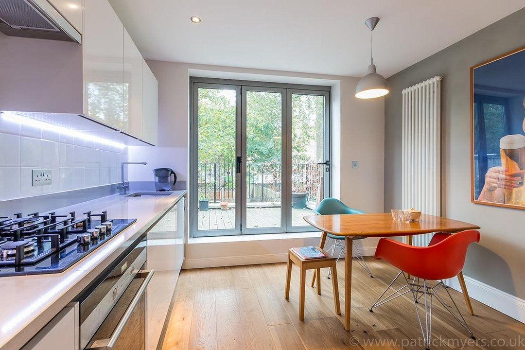 Flat - Conversion Sale Agreed in Vicarage Grove, SE5 69 view11