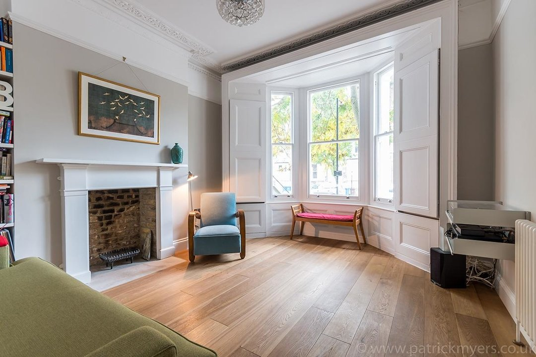 Flat - Conversion Sale Agreed in Vicarage Grove, SE5 69 view1