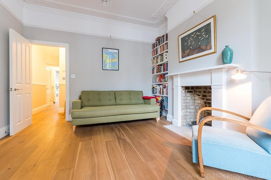 Flat - Conversion Sale Agreed in Vicarage Grove, SE5 69 view6
