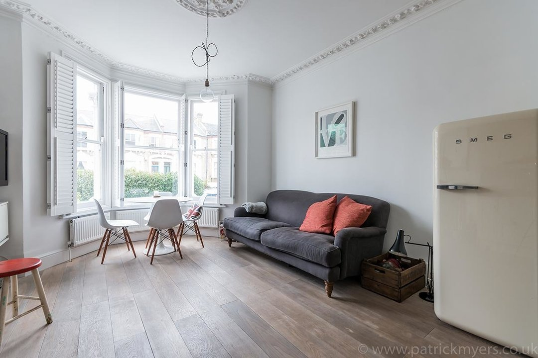 Flat - Conversion Sold in Waller Road, SE14 183 view9