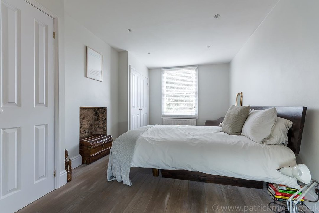 Flat - Conversion Sold in Waller Road, SE14 183 view11