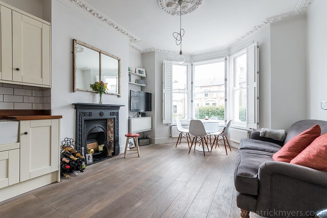 Flat - Conversion Sold in Waller Road, SE14 183 view1
