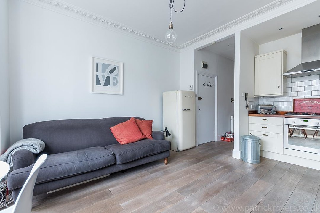 Flat - Conversion Sold in Waller Road, SE14 183 view4