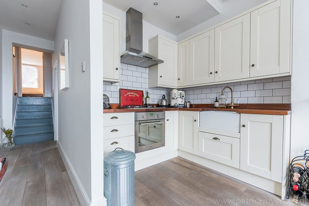 Flat - Conversion Sold in Waller Road, SE14 183 view3