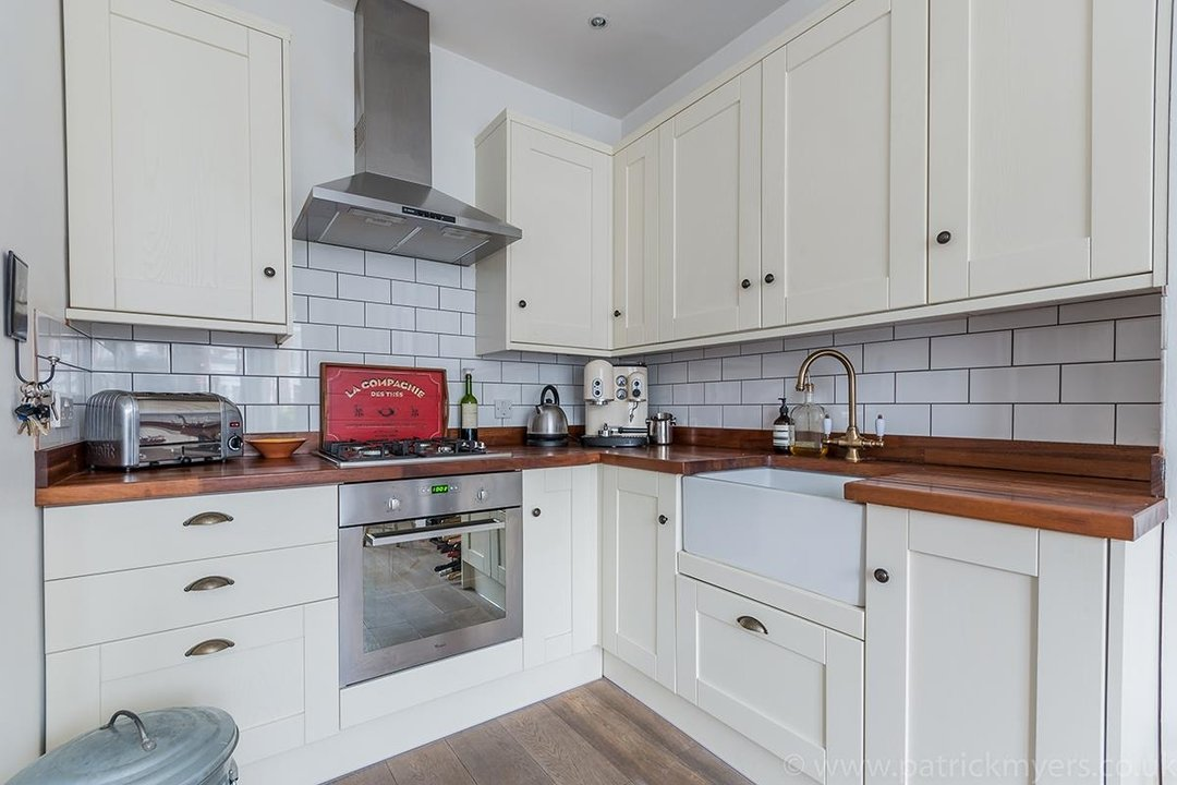 Flat - Conversion Sold in Waller Road, SE14 183 view5