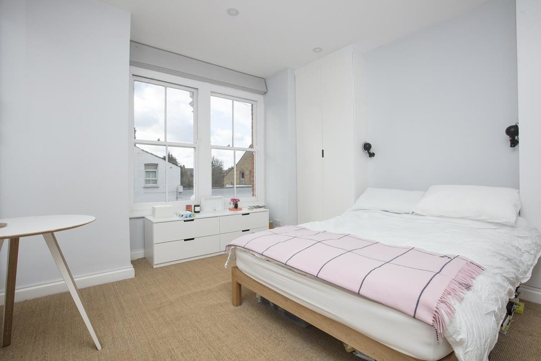 House - Terraced For Sale in Waveney Avenue, SE15 263 view10