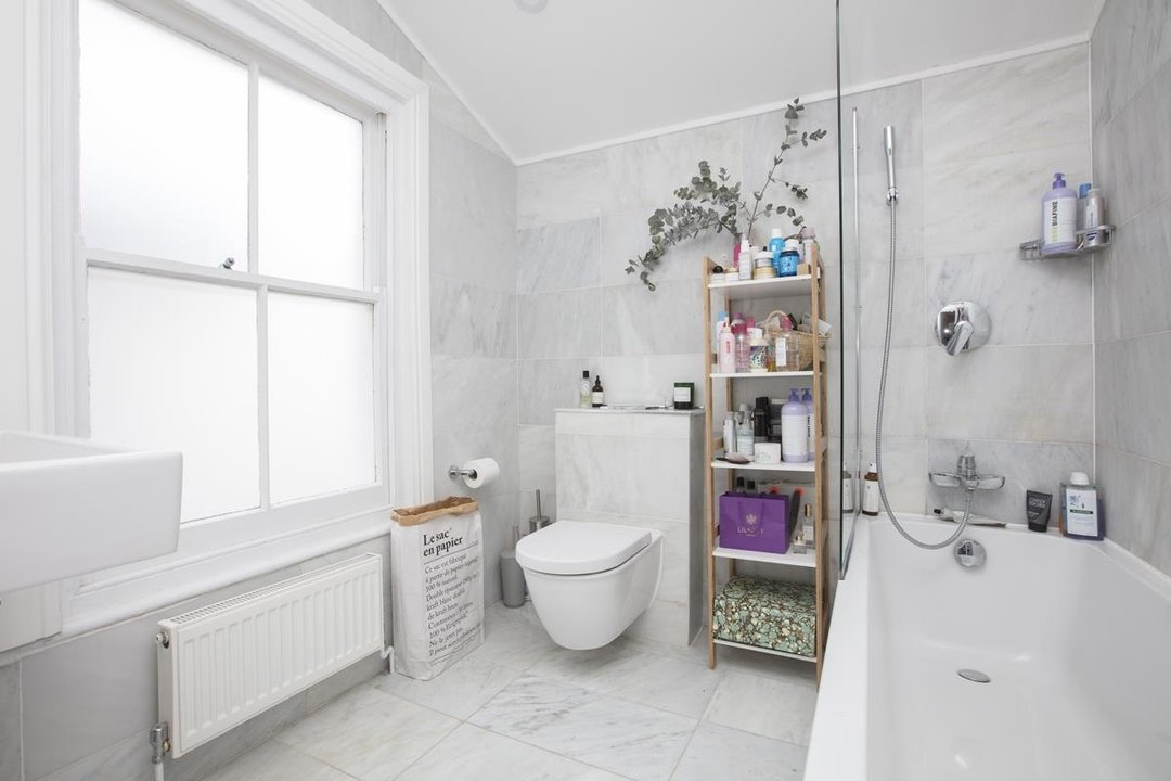 House - Terraced For Sale in Waveney Avenue, SE15 263 view11