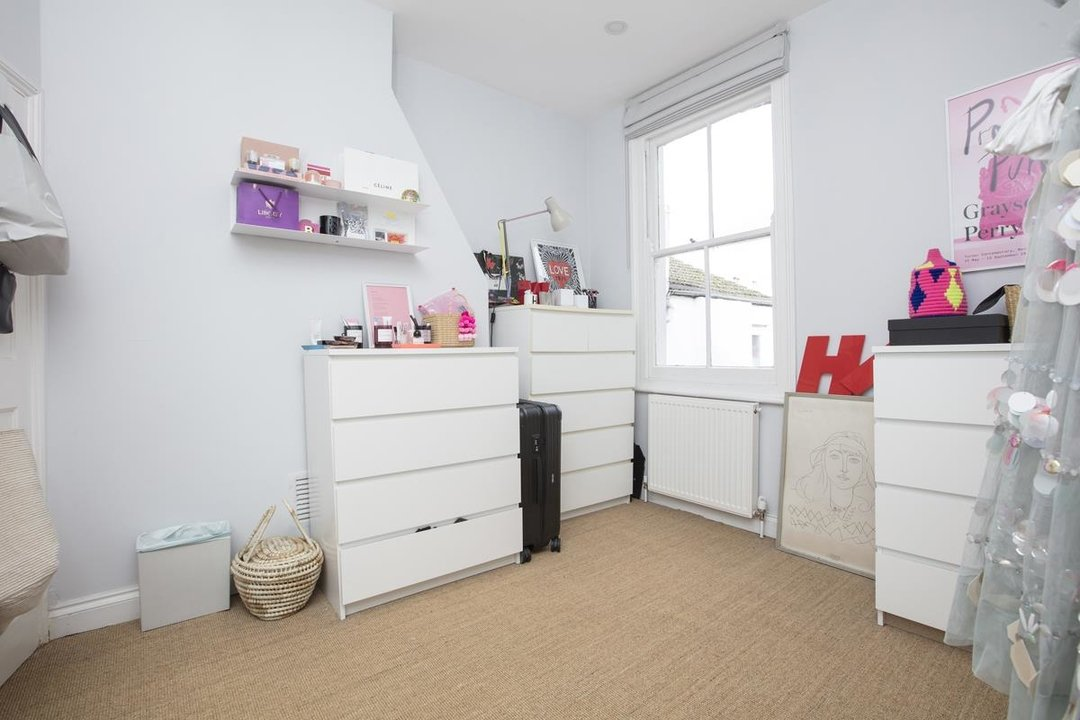 House - Terraced For Sale in Waveney Avenue, SE15 263 view9
