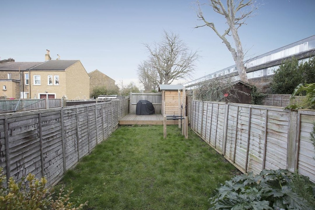 House - Terraced For Sale in Waveney Avenue, SE15 263 view3