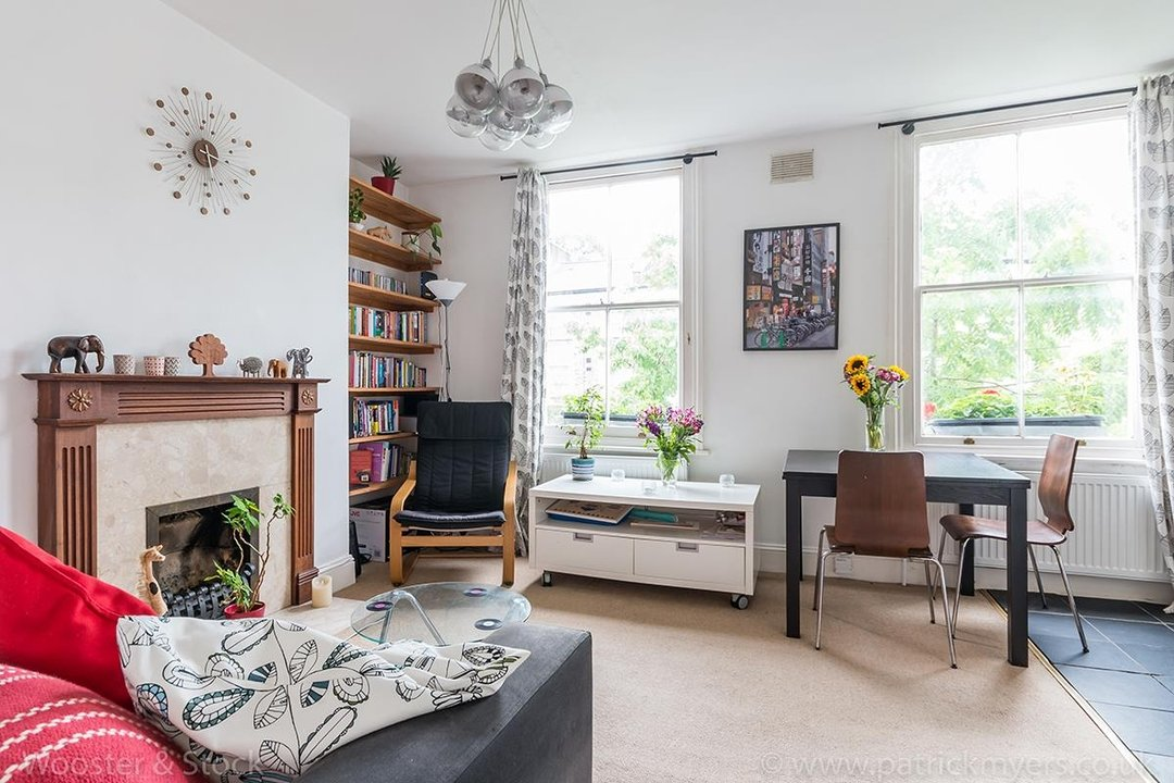 Flat/Apartment Sold in Wilson Road, SE5 107 view1