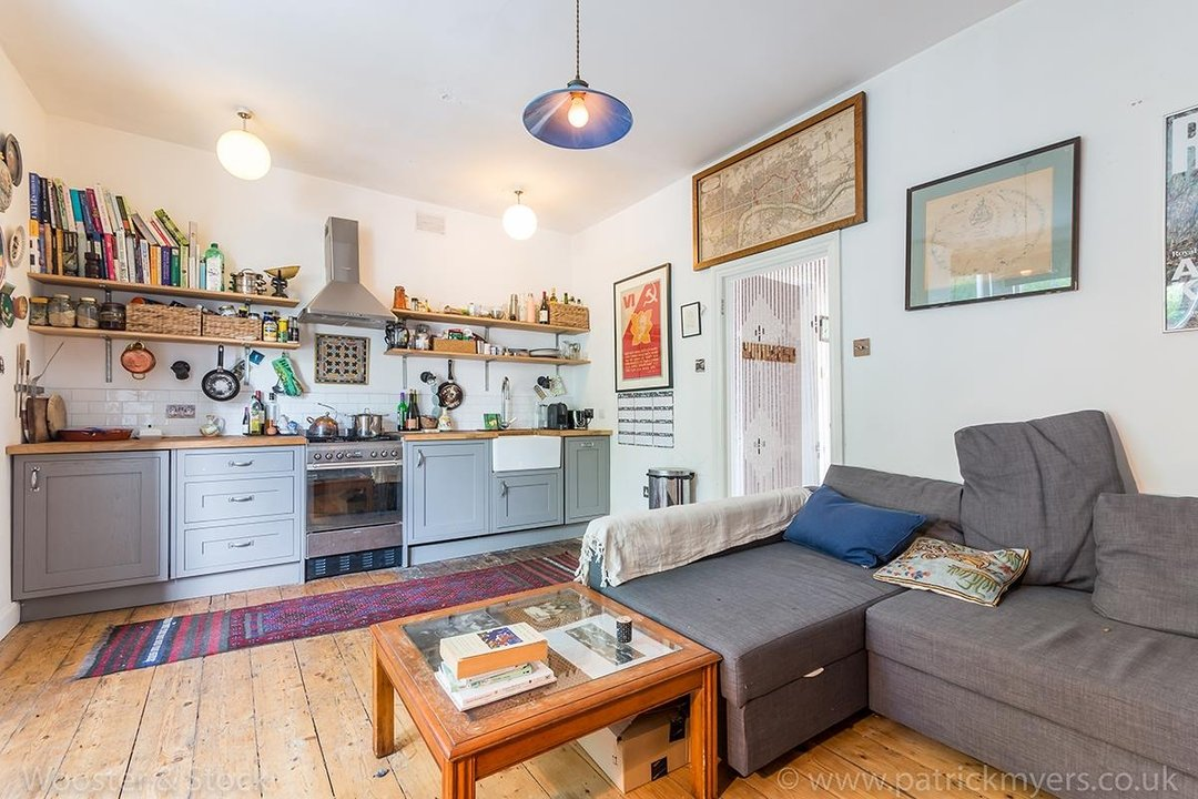 Flat - Conversion Sold in Wilson Road, SE5 108 view4