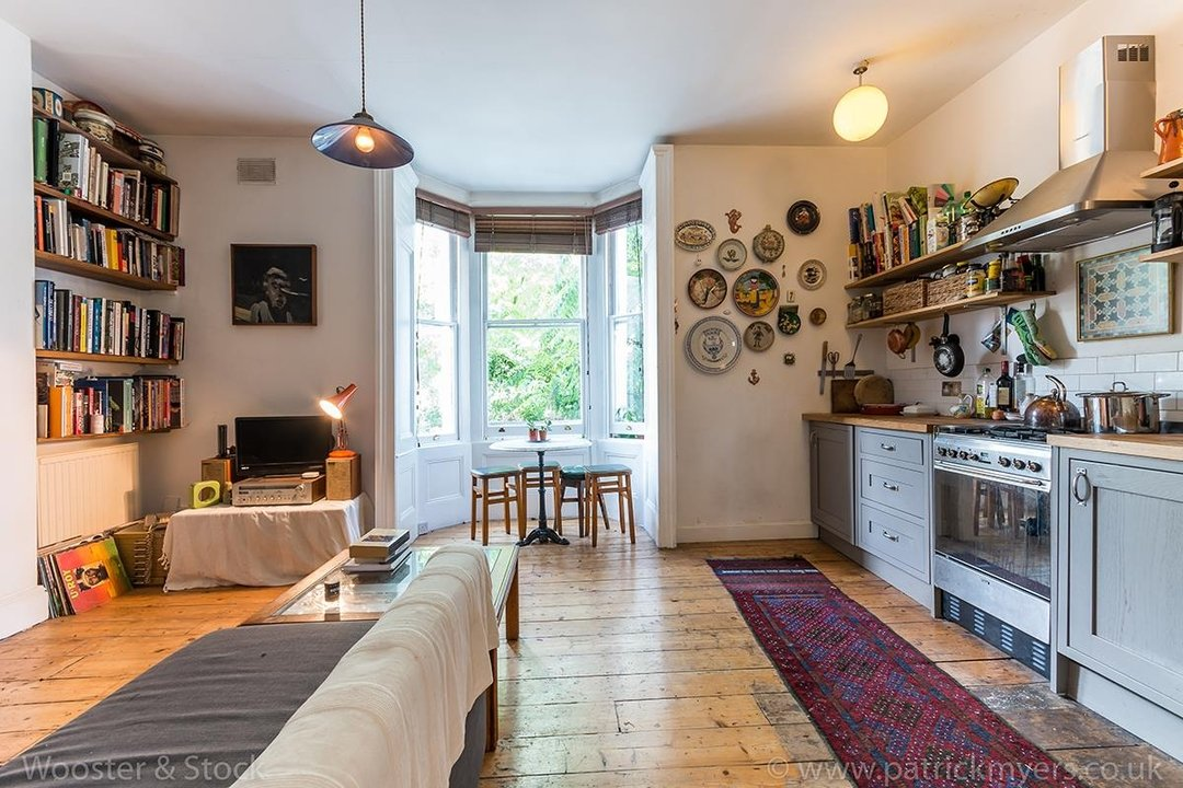 Flat - Conversion Sold in Wilson Road, SE5 108 view3