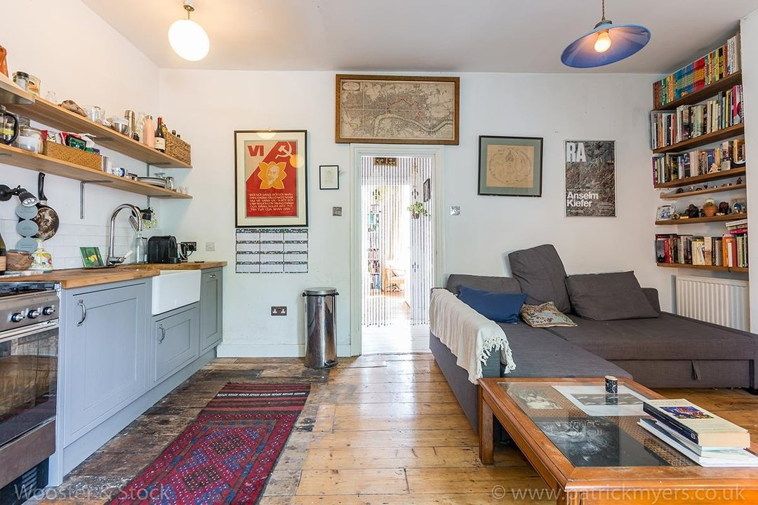 Flat - Conversion Sold in Wilson Road, SE5 108 view5