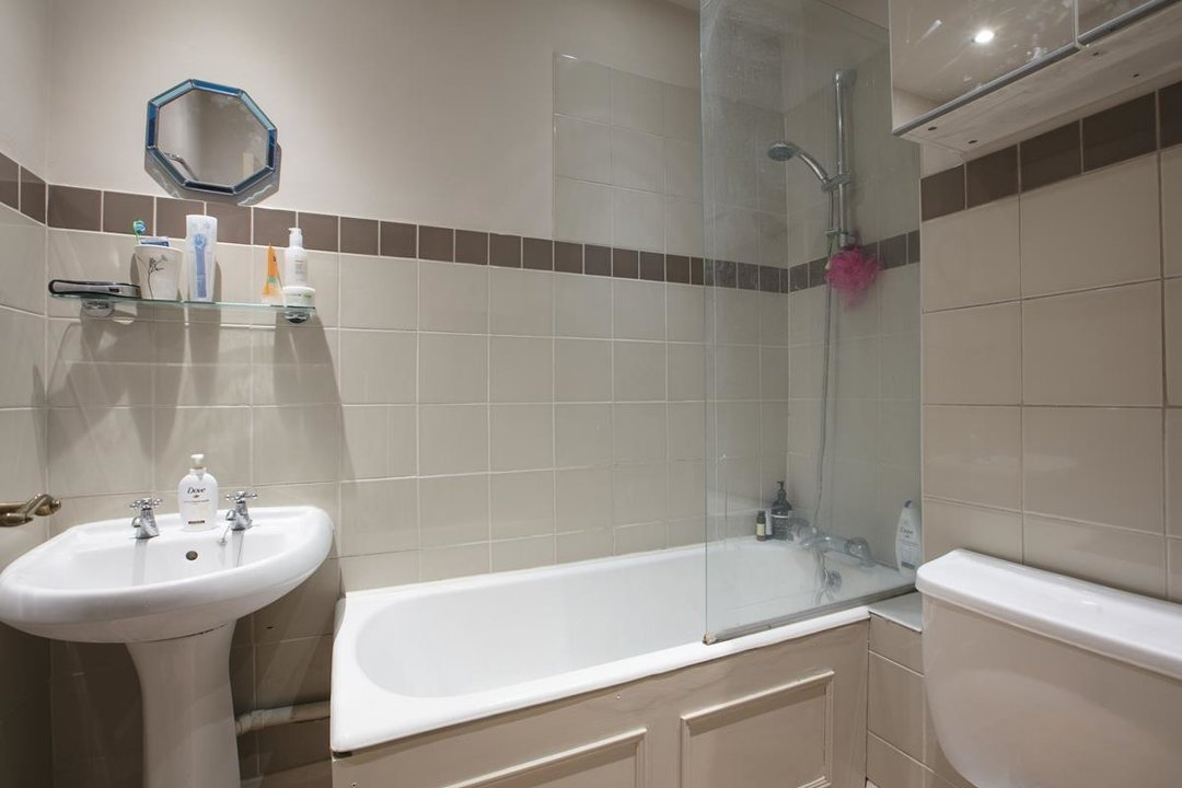 Flat - Conversion For Sale in Wilson Road, SE5 323 view7