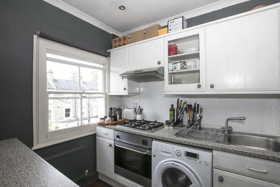 Flat - Conversion For Sale in Wilson Road, SE5 323 view5