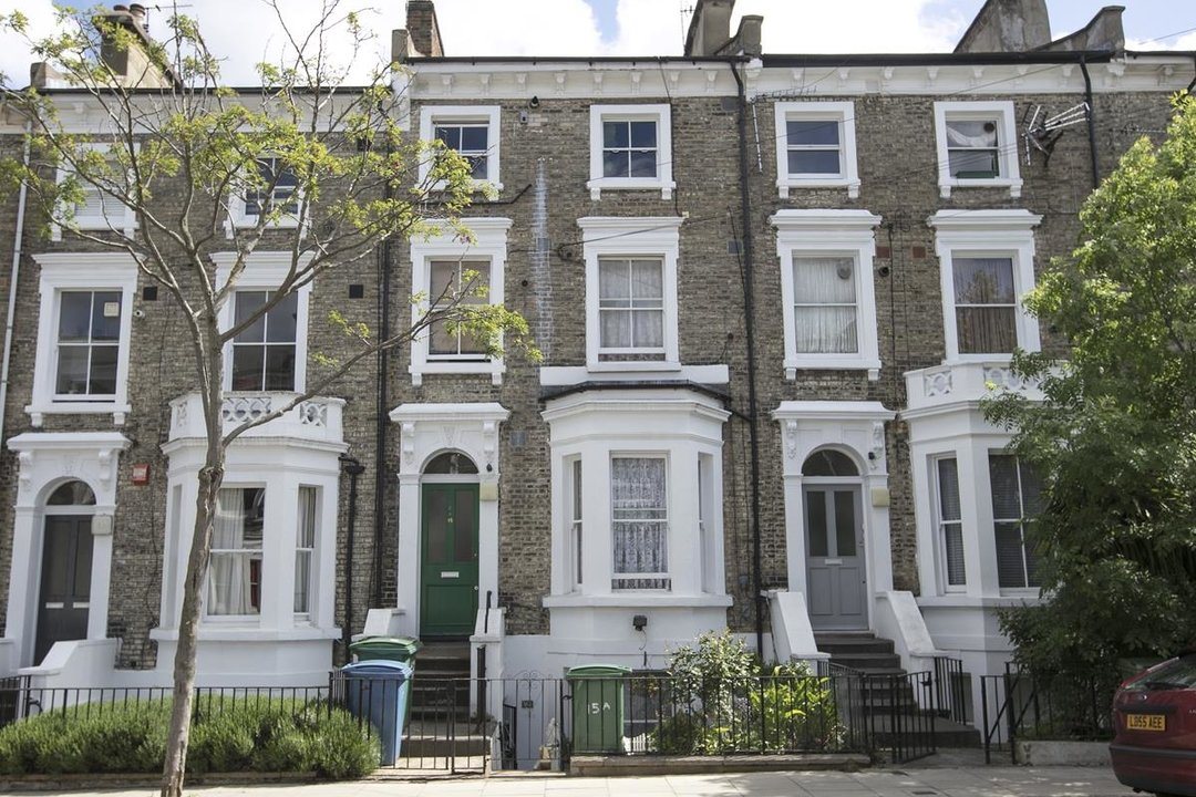 Flat - Conversion For Sale in Wilson Road, SE5 323 view1