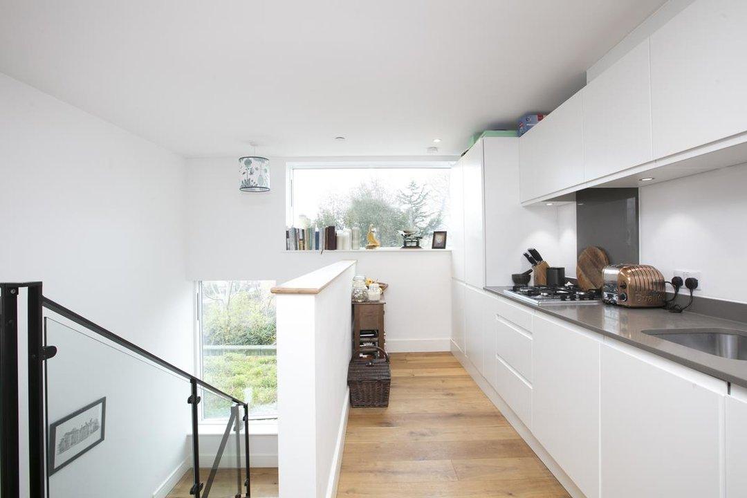 Flat - Purpose Built For Sale in Windsor Walk, SE5 304 view1