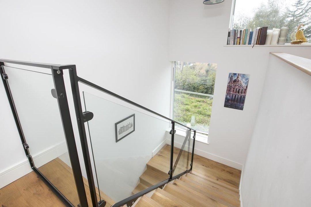 Flat - Purpose Built For Sale in Windsor Walk, SE5 304 view3