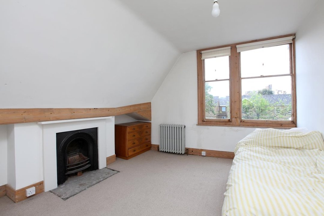 House - Semi-Detached For Sale in Wood Vale, London SE23 53 view10