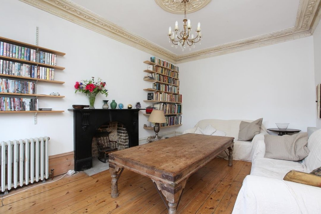 House - Semi-Detached For Sale in Wood Vale, London SE23 53 view6