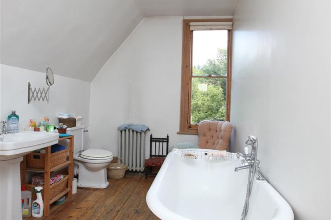 House - Semi-Detached For Sale in Wood Vale, London SE23 53 view16