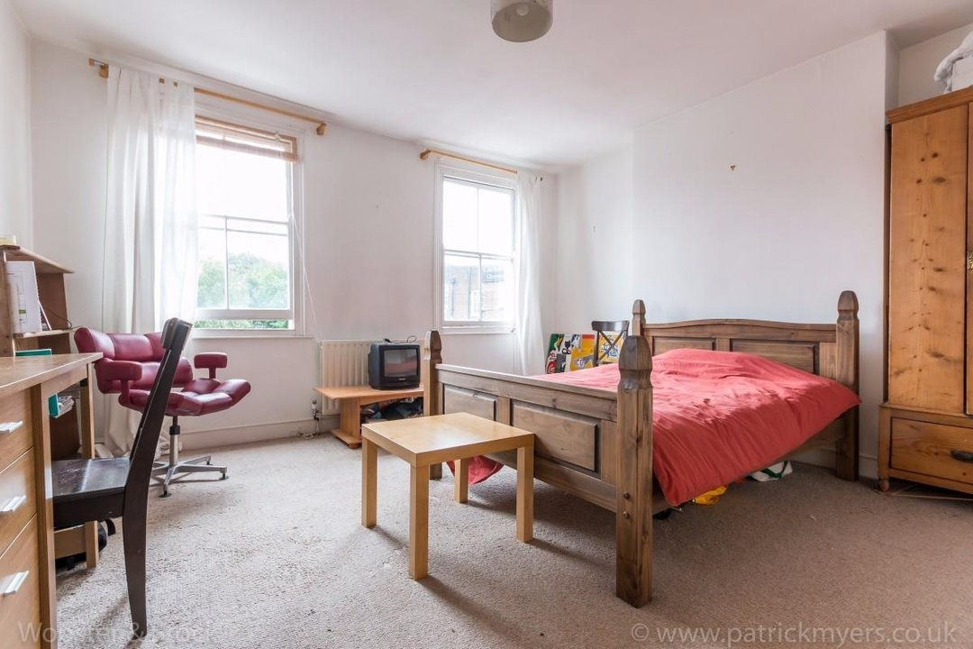 Flat - Above Shop For Sale in Wyndham Road, SE5 177 view11