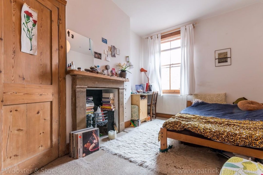 Flat - Above Shop For Sale in Wyndham Road, SE5 177 view9