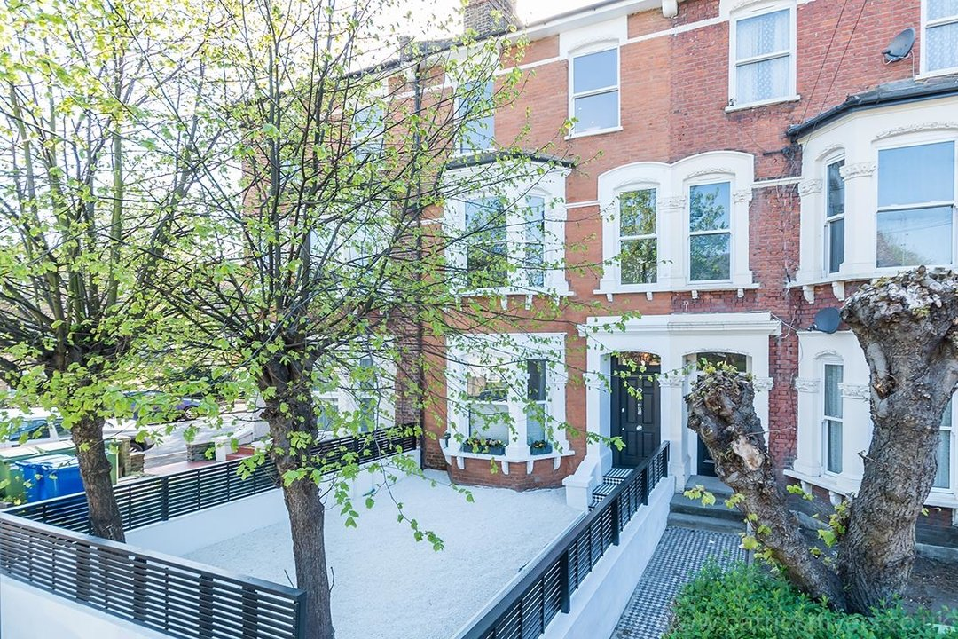 Flat - Conversion Sale Agreed in York Grove, SE15 26 view1