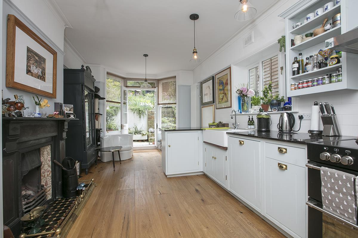 House - End Terrace Sold in Arbuthnot Road, SE14 338 view5