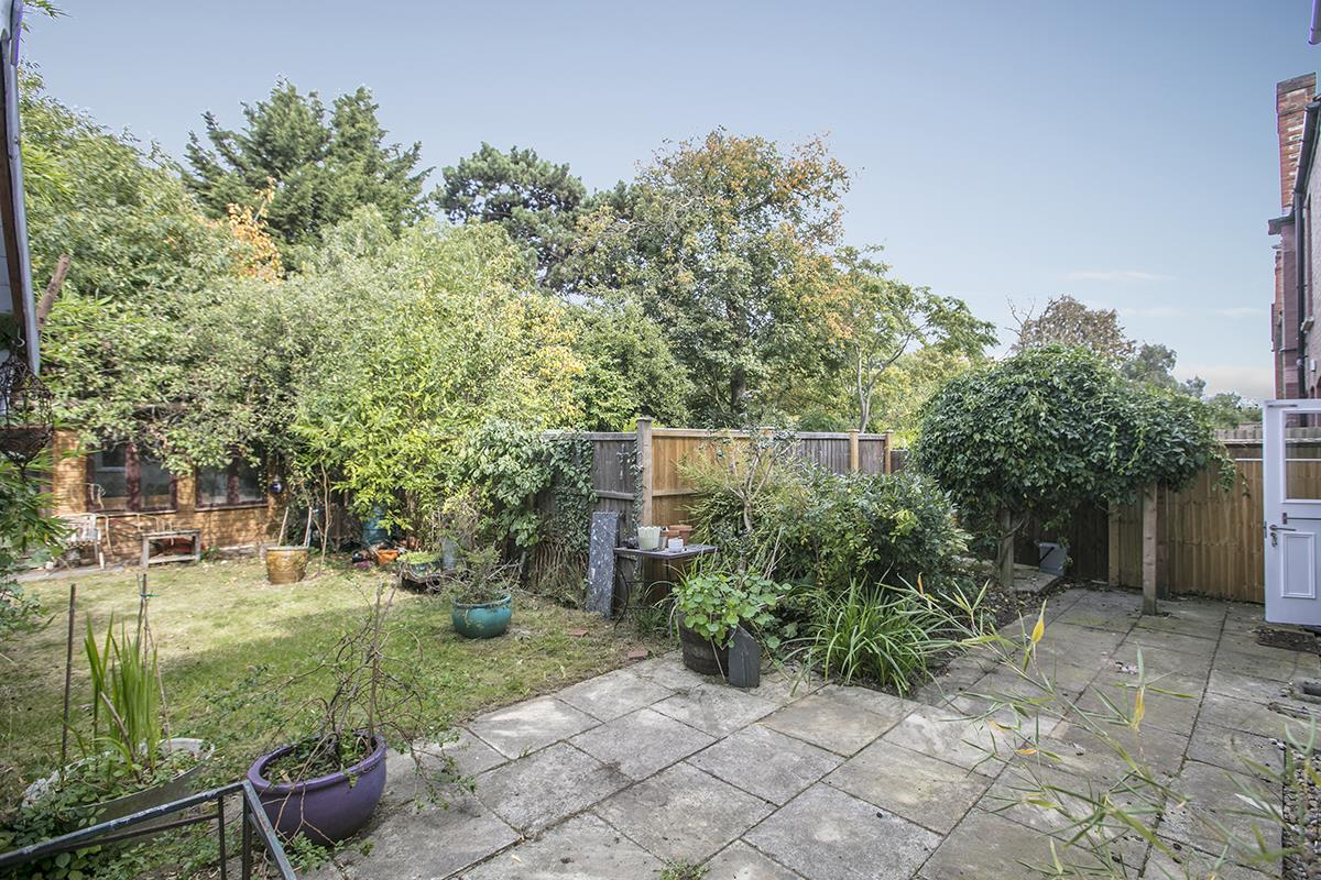 Flat/Apartment For Sale in Bishopsthorpe Road, SE26 296 view7