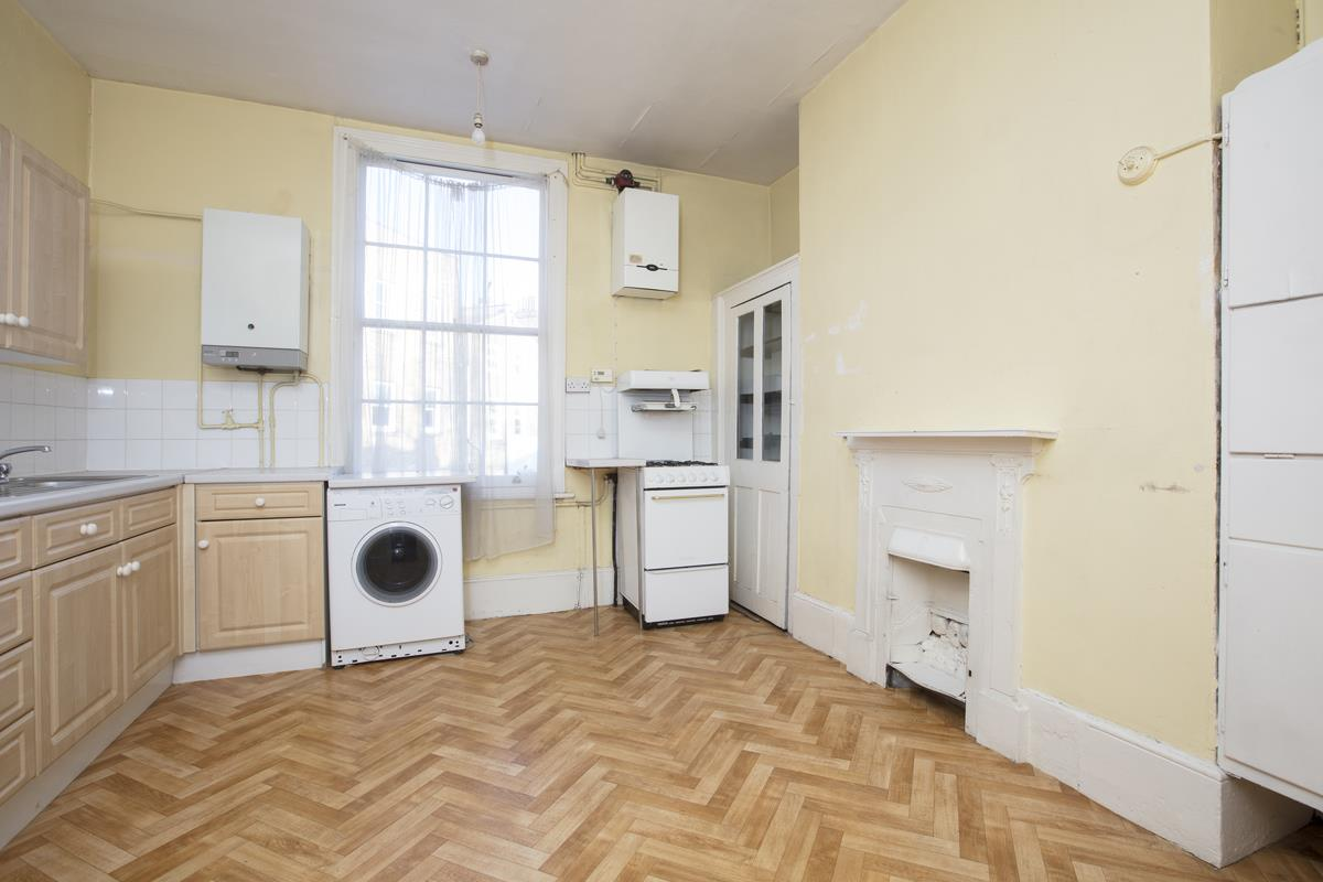 House - Terraced Sale Agreed in Camberwell Grove, SE5 237 view5