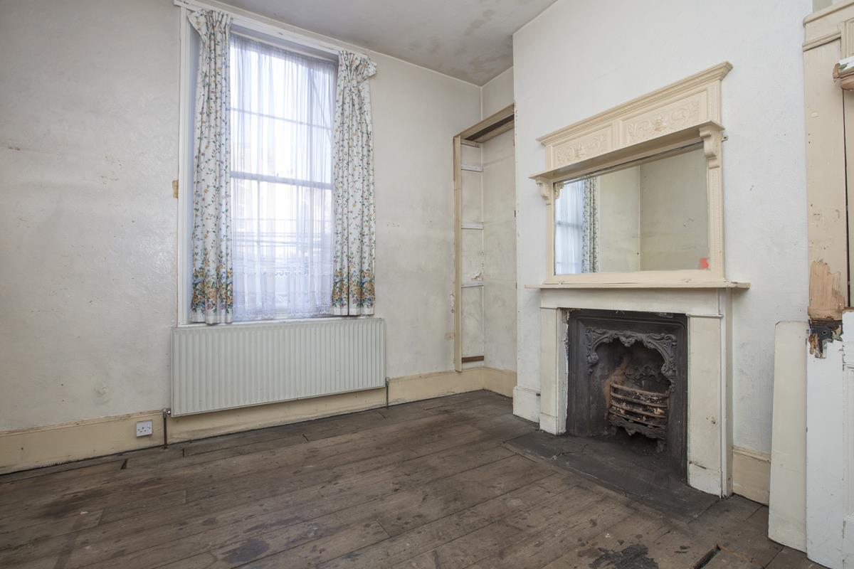 House - Terraced Sale Agreed in Camberwell Grove, SE5 237 view6