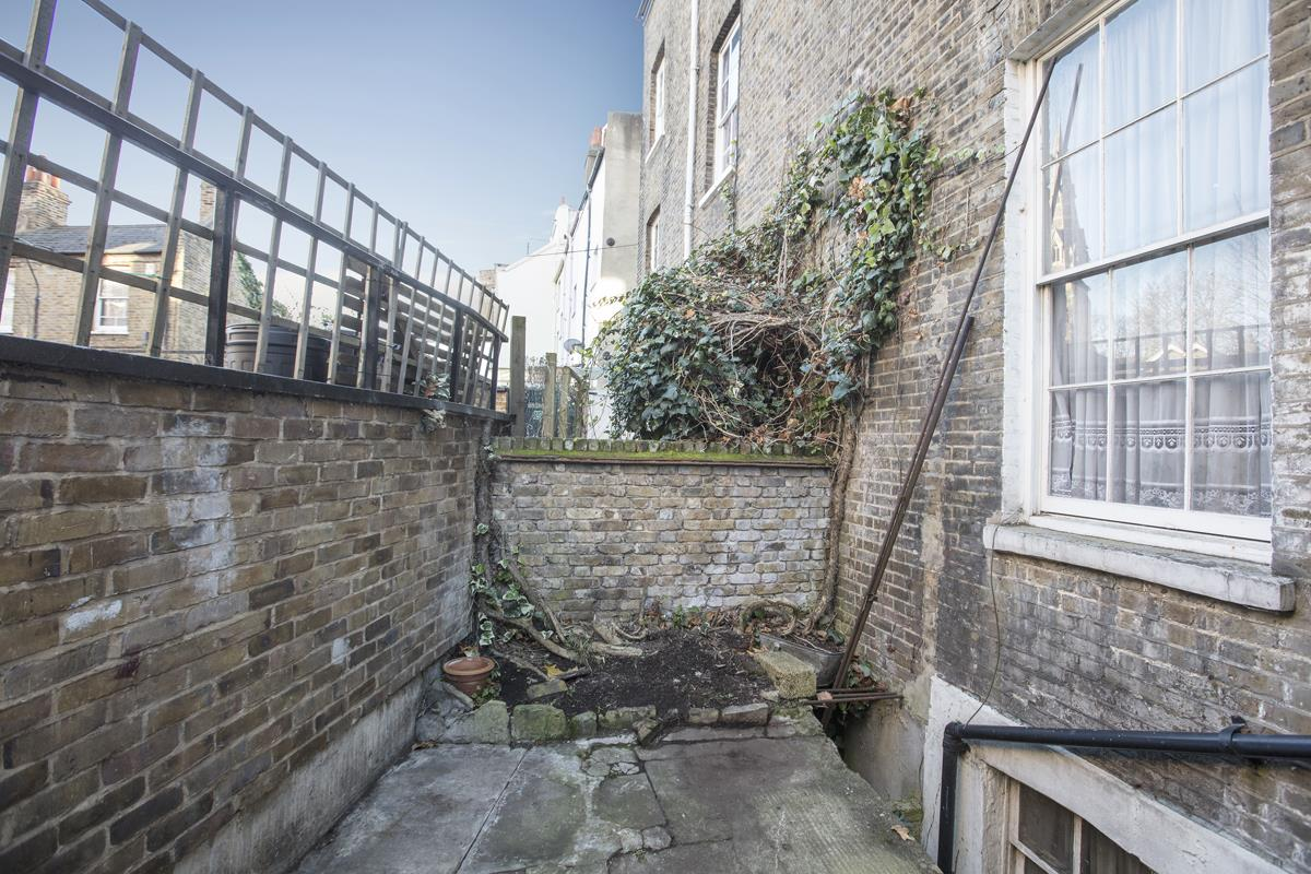 House - Terraced Sale Agreed in Camberwell Grove, SE5 237 view18