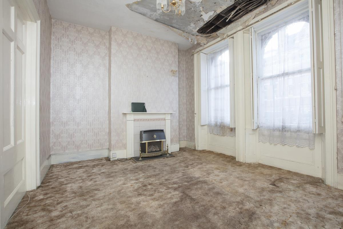 House - Terraced Sale Agreed in Camberwell Grove, SE5 237 view2