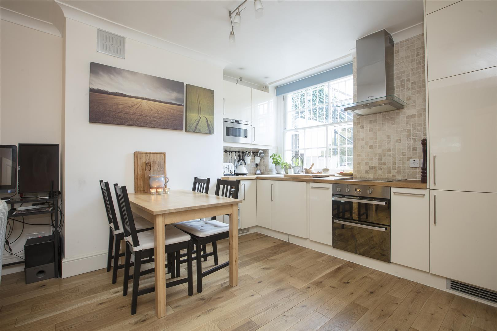Flat/Apartment Sale Agreed in Camberwell Grove, SE5 240 view3