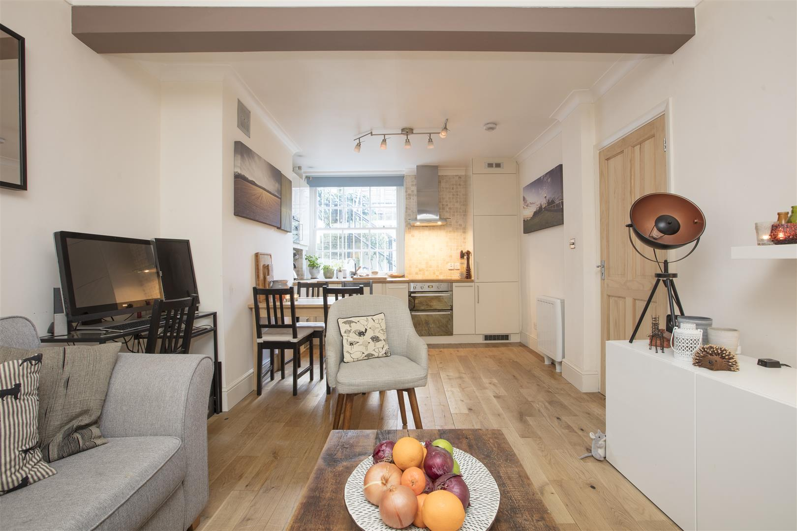 Flat/Apartment Sale Agreed in Camberwell Grove, SE5 240 view2