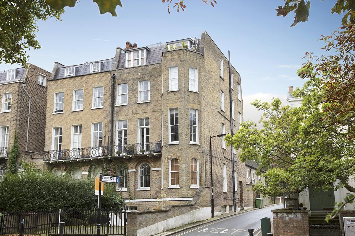 Flat/Apartment Sale Agreed in Camberwell Grove, SE5 240 view1