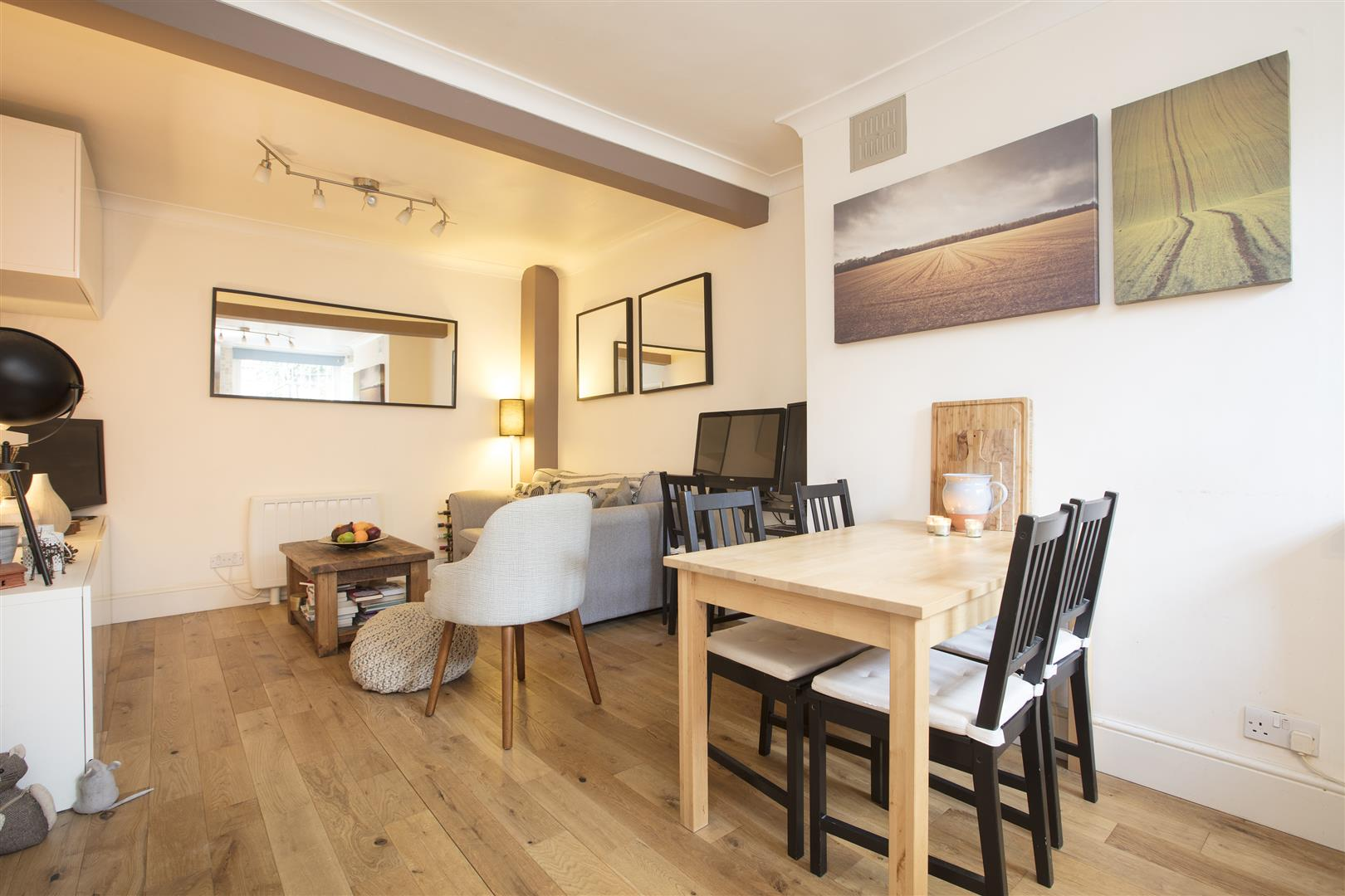 Flat/Apartment Sale Agreed in Camberwell Grove, SE5 240 view6